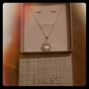 Never worn, Zales necklace.